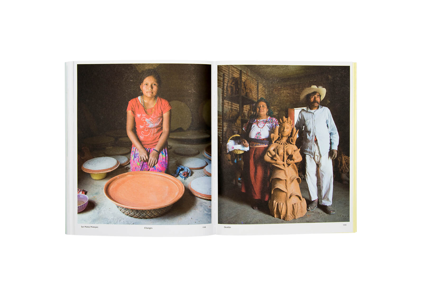 Product image of Fire and Clay. The Art of Oaxacan Pottery