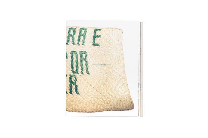 Studio Manuel Raeder: La letra E está por doquier